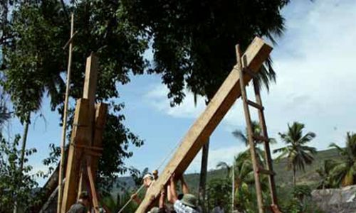 Design, planning and construction of foodtbridge with local ressouces. Puente Machingero, Peru