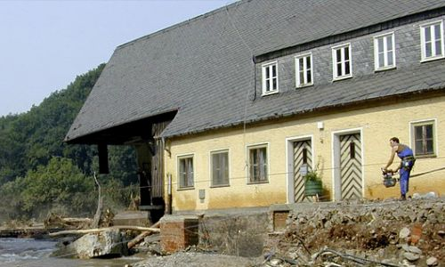 Support in clearance of flood damage in the Saxonian area of Müglitztal